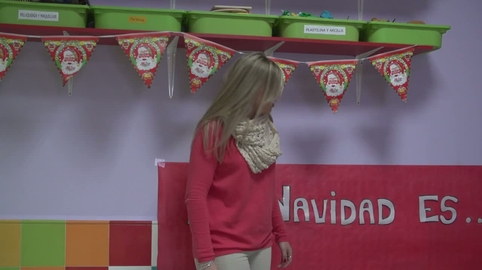 Los niños de ARCO IRIS 1 os desean Feliz Navidad!!!!