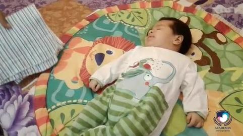 Como enrollar al bebe :) #academiaparapapas